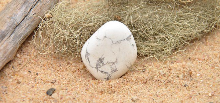 Howlite white crystal
